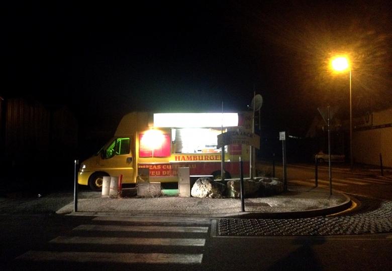 http://demitourdefrance.fr/files/gimgs/th-10_friterie_nuit.jpg