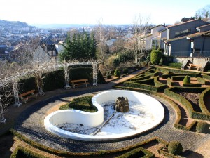 http://demitourdefrance.fr/files/gimgs/th-22_Aurillac_Fontaine_web.jpg