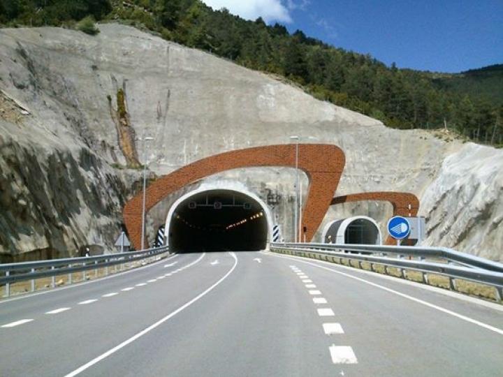 https://demitourdefrance.fr:443/files/gimgs/th-10_tunnel.jpg